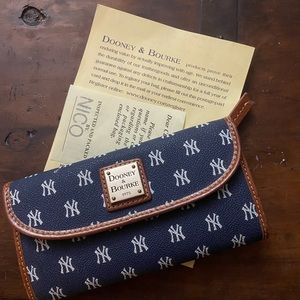 Yankees Authentic Donney and Bourke Wallet